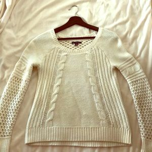Super cute and soft American Eagle sweater.